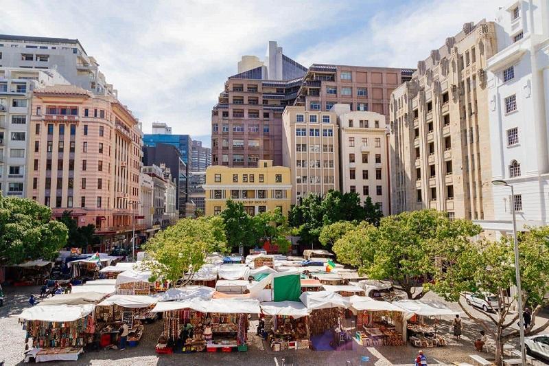 Compras em Greenmarket Square na Cidade do Cabo