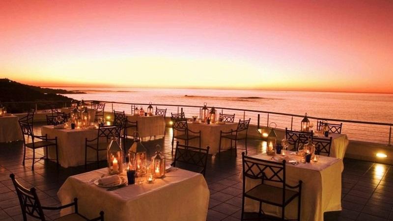 Jantar em restaurante da Cidade do Cabo