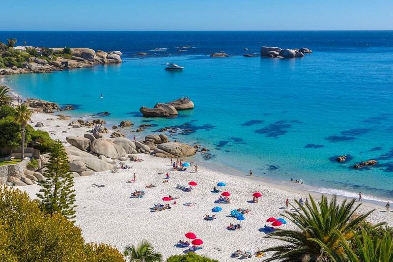 Visual paradisíaco de praia na Cidade do Cabo